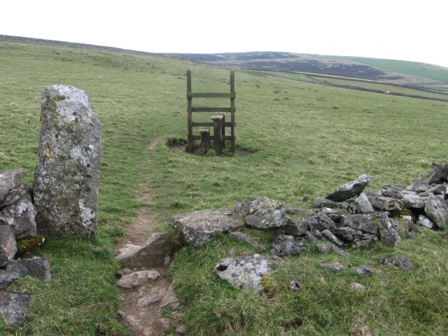 Footpath towards Longstone Moor