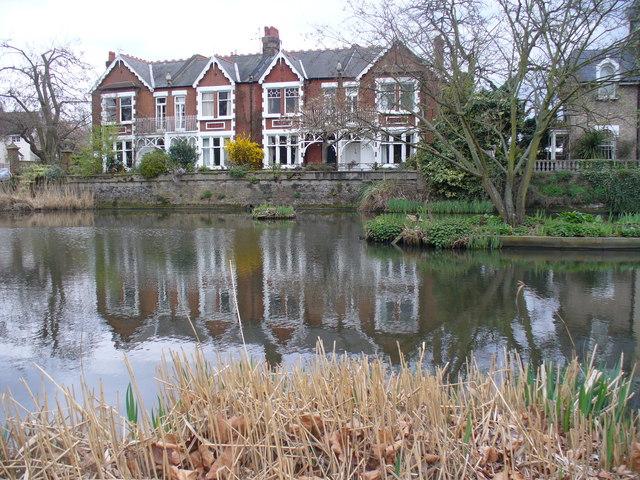 Kew Green Pond