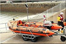 J3729 : Newcastle lifeboat called out (1) by Albert Bridge