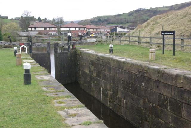 Winterbutlee Lock, Rochdale Canal