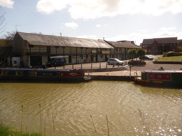 Devizes: the wharf