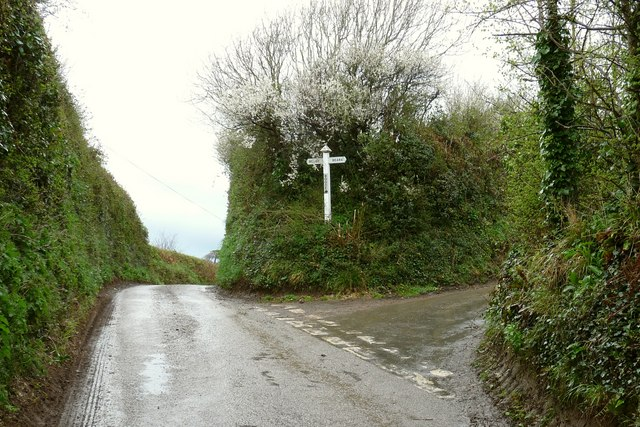 Boode Cross at the junction of Boode Road with Buttercombe Lane