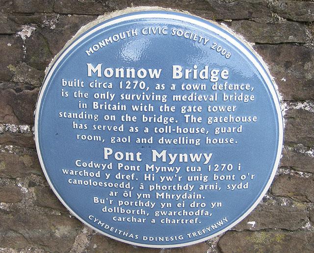 Informative plaque on Monnow Bridge