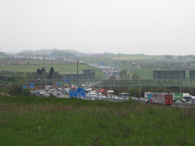 Queues on M25 near Junction 2