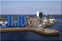 NJ9505 : Footdee, Aberdeen by Mike Pennington