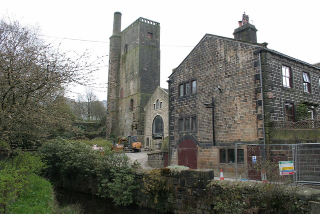 The Lumbutts Centre