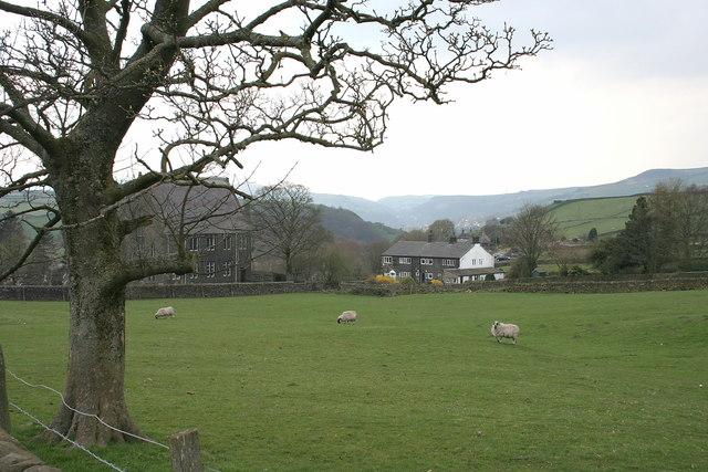 Lumbutts Village