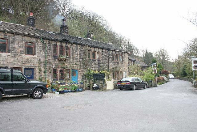 Shaw Bridge Cottages