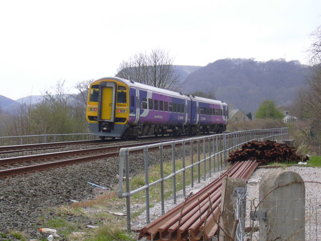 DMU 158843 travels towards Burnley through Todmorden