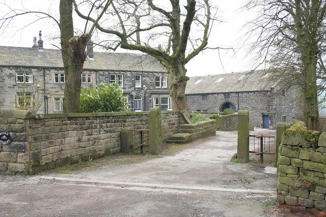 Middle Stoodley House