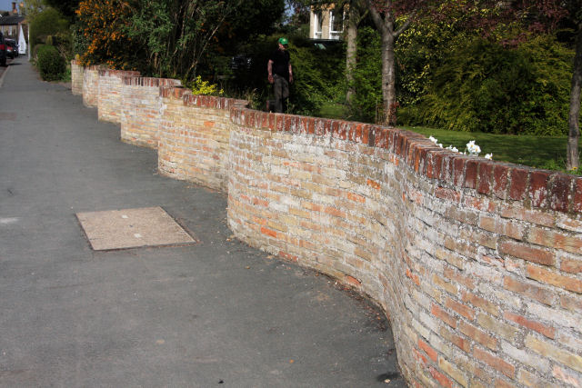 Crinkle crankle wall, Fulbourn