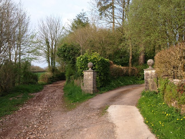 Gateposts, Combe House
