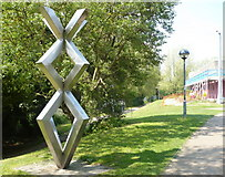 TR1558 : Sculpture by the footpath at Kingsmead by pam fray