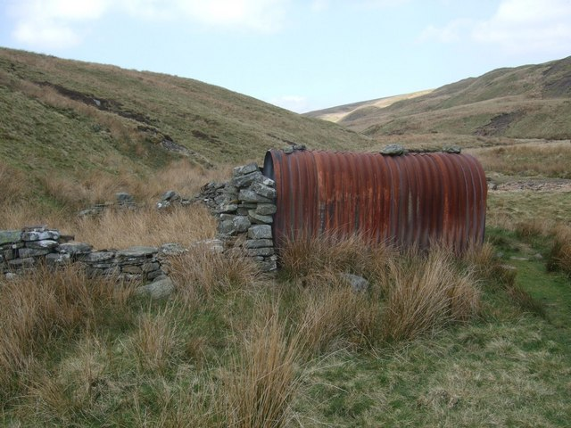 Tin shack and sheepfold in Whitsundale