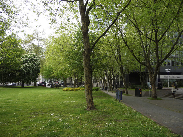 West end of Euston Square Gardens, Euston Road