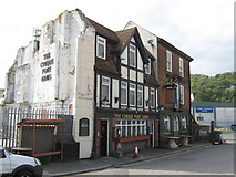 TR3140 : The Cinque Port Arms, Dover by David Anstiss