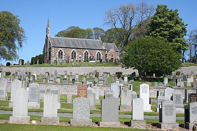 Fyvie Parish Kirk and Kirkyard