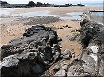 SS2006 : Rock outcrop, Summerleaze beach, Bude by Tom Jolliffe