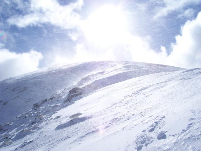 High winds and drifting snow on Ben Vorlich