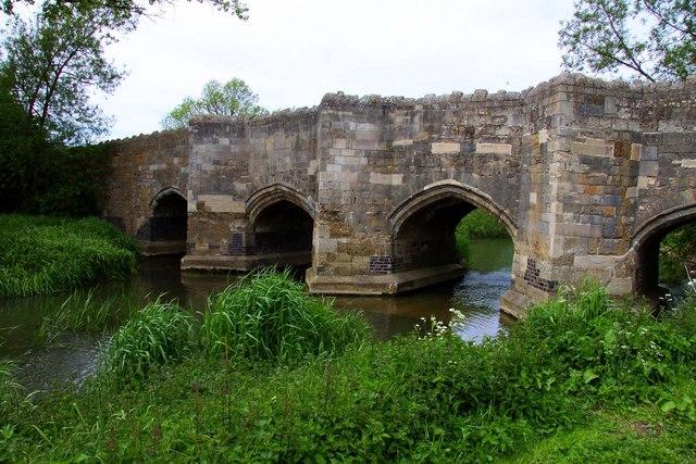 Thornborough bridge
