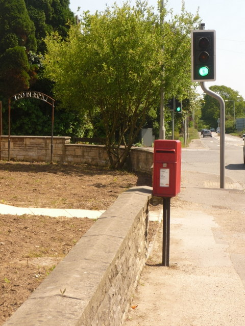 Beacon Hill: postbox № BH16 27, Blandford Road North