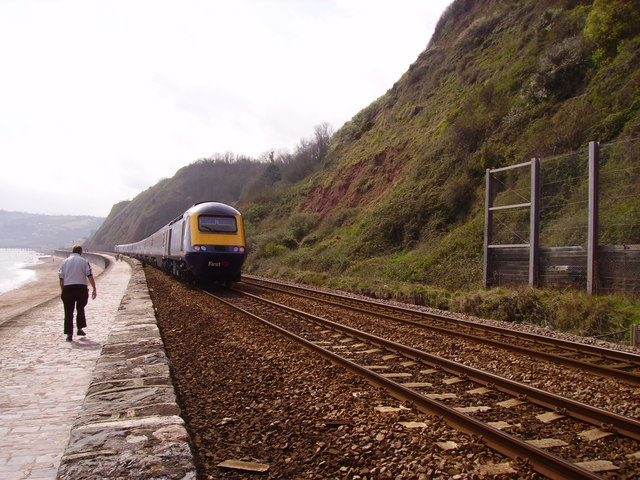 First Great Western train along the Teignmouth Sea Wall