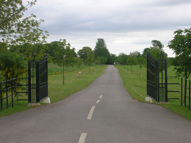 Entrance to Gransmoor Lodge