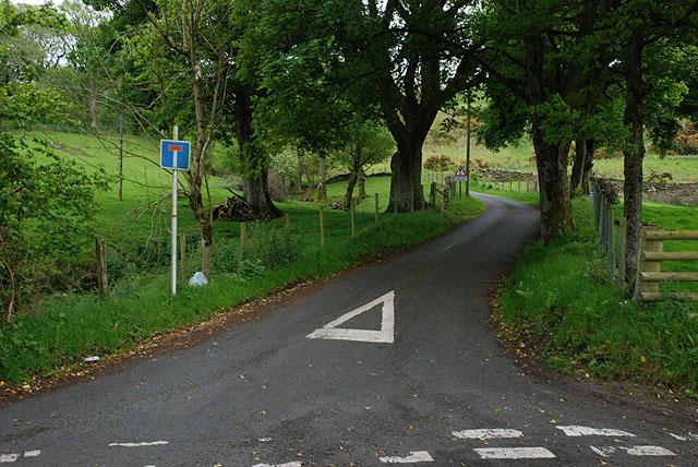 Minor road heading for Cefnddwygraig