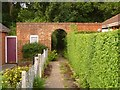 SZ0795 : East Howe: Elgar Road entrance to Puck's Dell, footpath E40 by Chris Downer