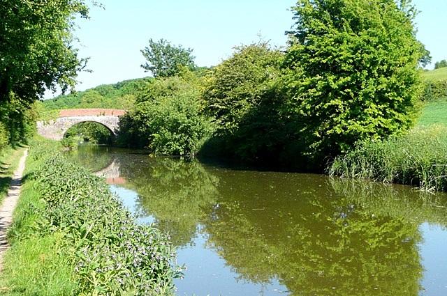 Approaching Shepherd's Bridge