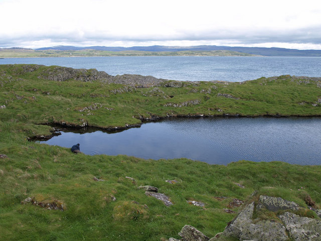 Unnamed Lochan at southern tip of Eilean Mor