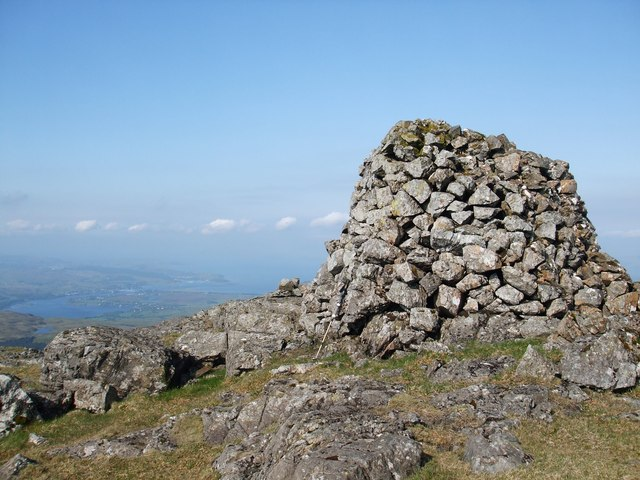 Large Cairn on SW top of Beinn Bhreac