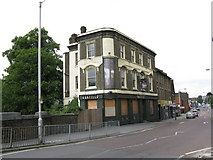 TQ3266 : The Oakfield Tavern, West Croydon by Dr Neil Clifton