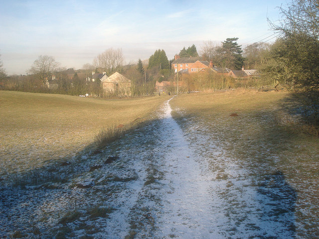 Footpath down to the canal