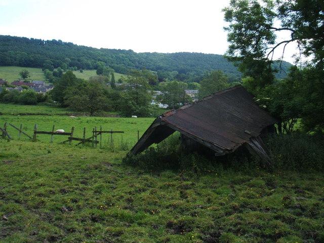 Dilapidated barn, Rowsley