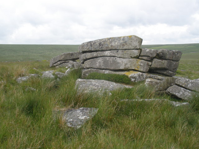 Rocky outcrop, on Pupers Hill
