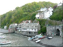 SS3124 : Cottages and lime kiln, Clovelly by Humphrey Bolton