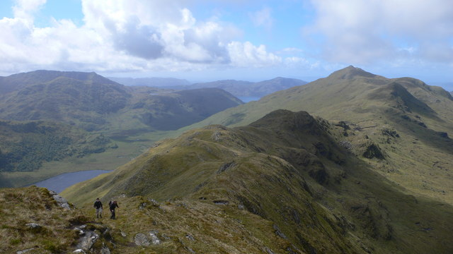 Looking south-west back along the ridge to Mam Suidheig