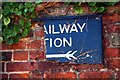 TL2371 : This way to the trains! by Tiger