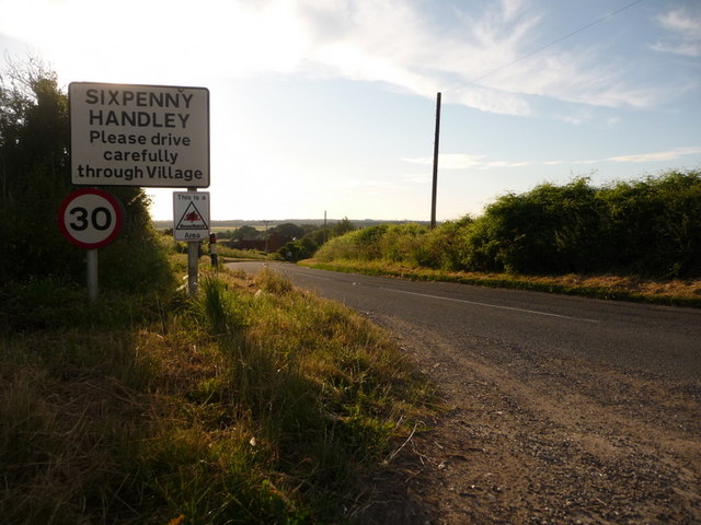 Sixpenny Handley: welcome from the east