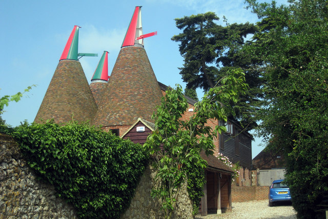 Chart Court Oast, Pluckley Road, Little Chart, Kent