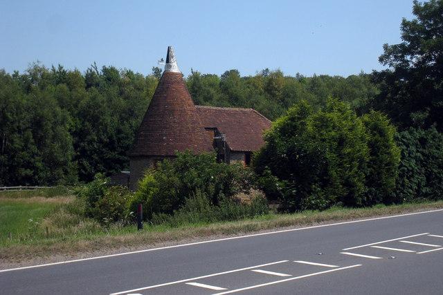 Parkgate Oast House, Ashford Road, Hollingbourne, Kent