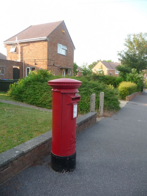 Alderney: postbox № BH12 253, Jersey Road