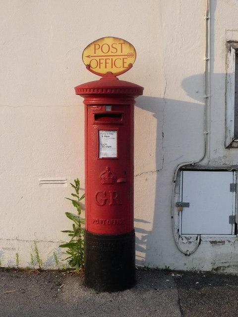 Alderney: postbox № BH12 163, Herbert Avenue