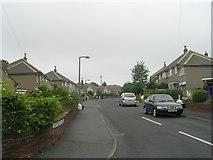 SE1421 : Shaftesbury Avenue - Long Fallas Crescent by Betty Longbottom