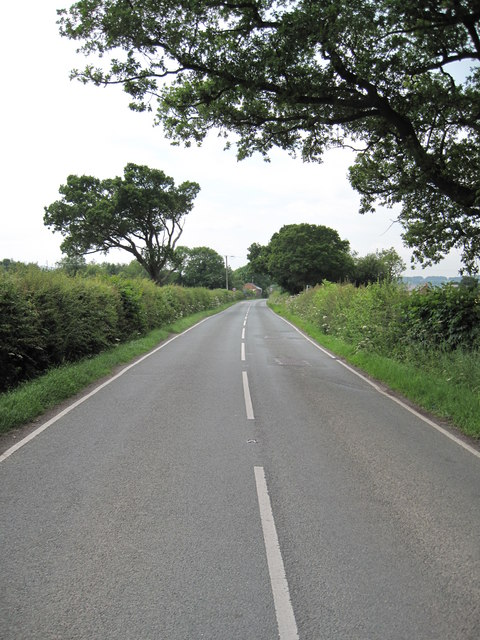 View of the Road into Lower Kinnerton