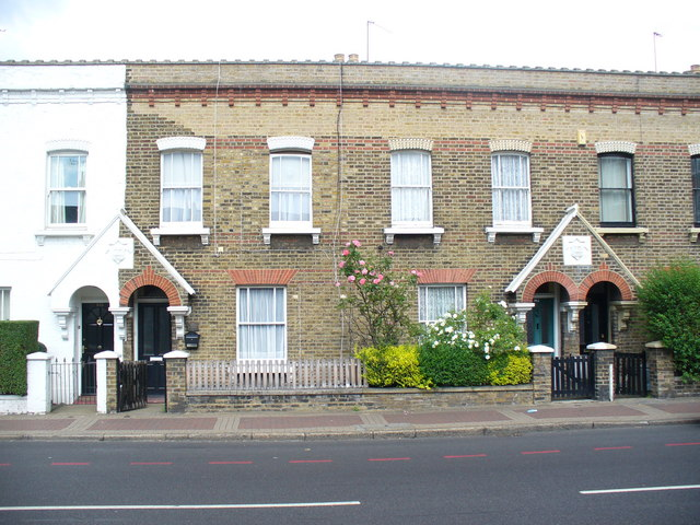 Houses on Latchmere Road