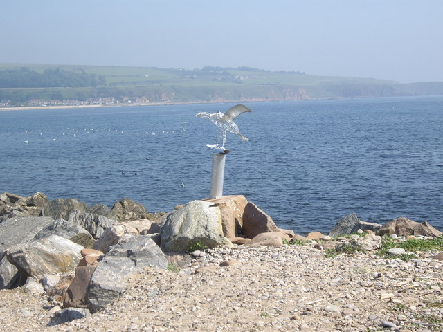 Sculpture of 'Osprey with salmon'