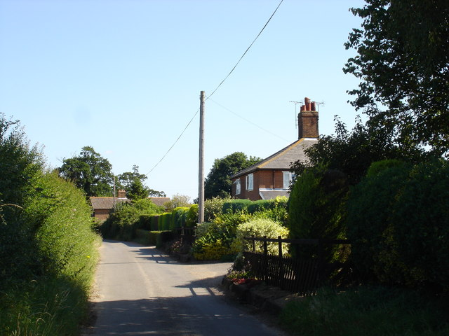 The road to Woolverstone