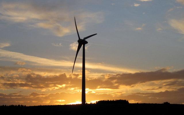 Shooter's Bottom wind turbine at dusk